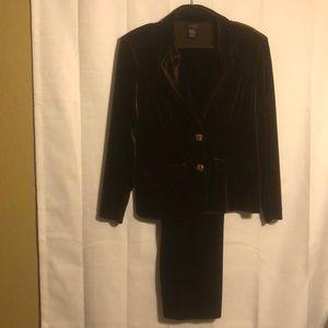 Nwot Brown velour suit size L